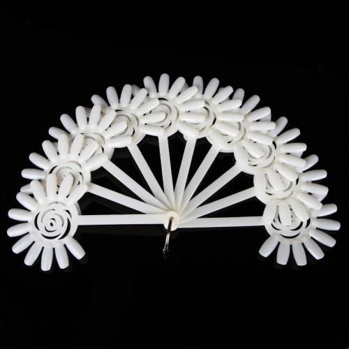 Paletė nagų dailės pavyzdžiams Gėlytės formos